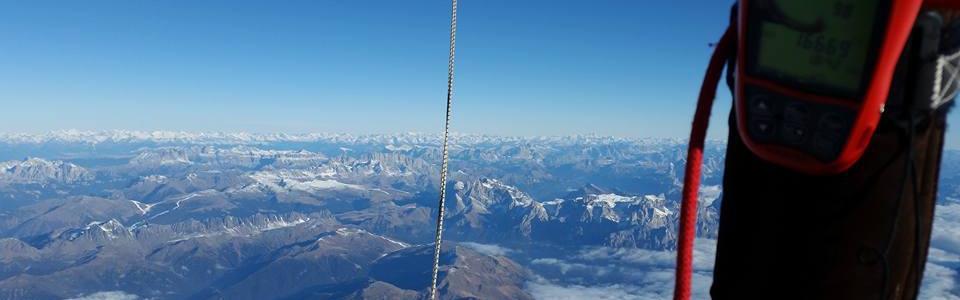 alpenueberquerung_ballonkorb_ausblick
